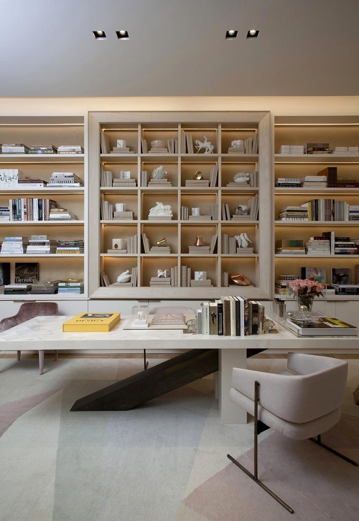 Office interior design - Casacorsp Roberto Migotto Brazil - office design - bookshelf ideas - bookshelves