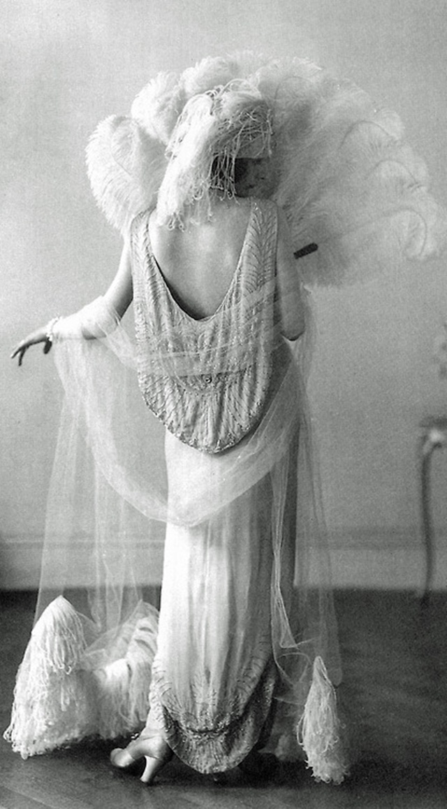 An evening gown from the 20s, made by Norman Hartnell