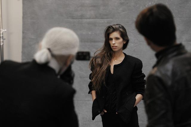 Karl Lagerfeld at work