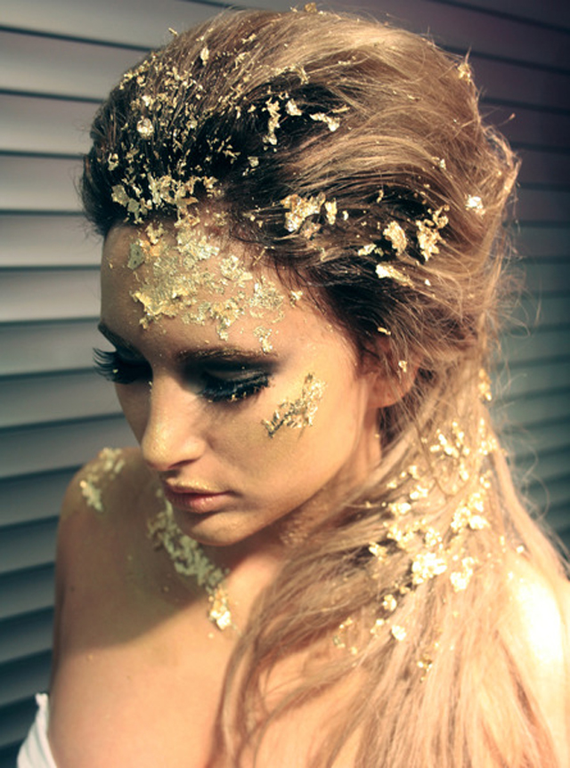 KOKET  KOKET & THE GLOBAL FUND FOR WIDOWS goldleaf makeup