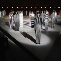 Designers such as Michael Kors, Marc Jacobs and Oscar de la Renta make us love the vertical stripes.