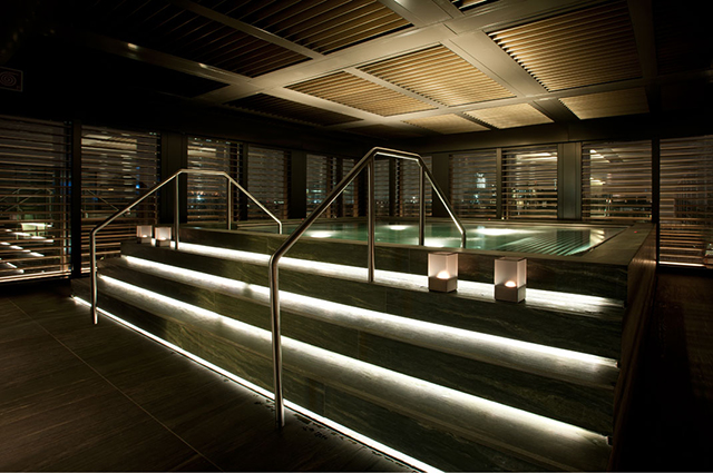 Elegant and sophisticated Spa in Armani Hotel Milano reflects the genius Armani lifestyle we are used to see.  Armani Hotel Milano - Luxury Hotels iSaloni 2013 Power of light in Spa in Armani Hotel Milano