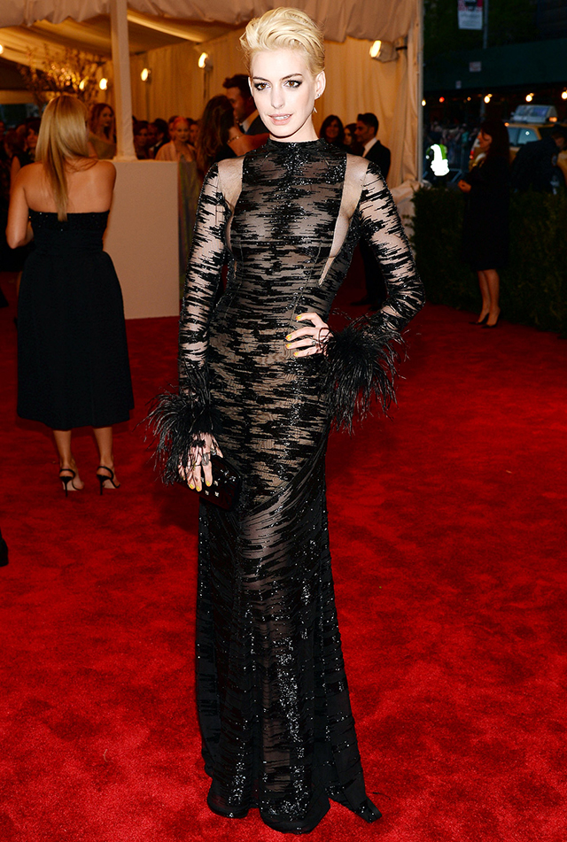 Punk fashion at met gala 2013: Anne Hathaway in Valentino.