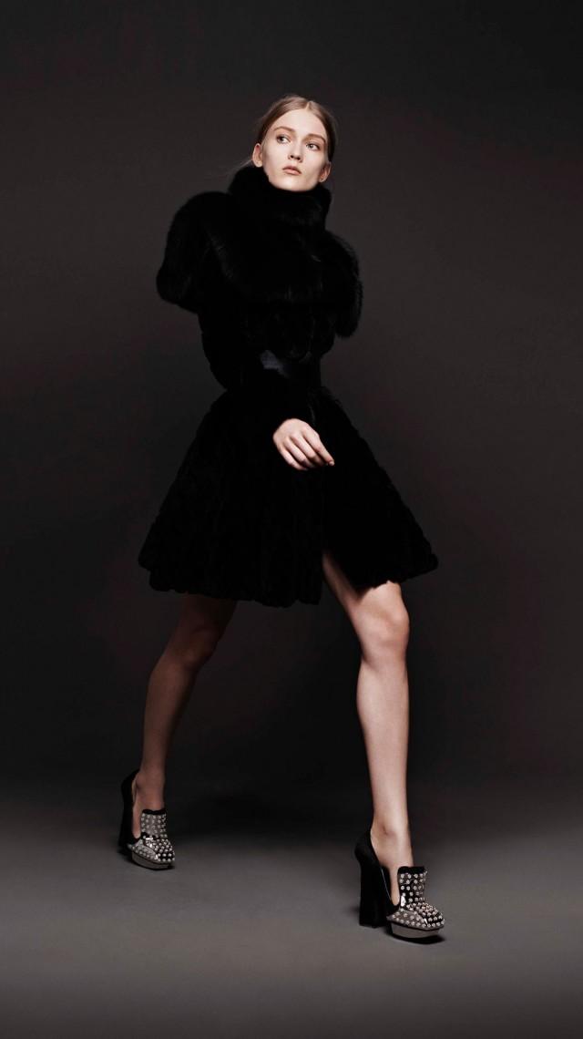 Alexander McQueen unveils new website Alexander McQueen unveils new website alexander mcqueen aw 2013 collection1