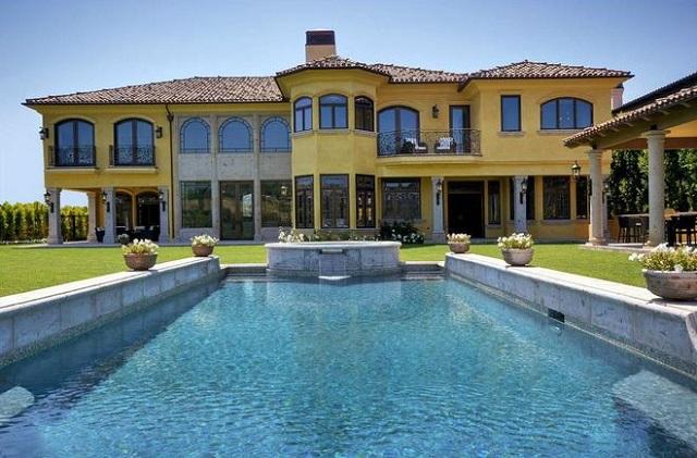 Celebrity real estates kim kardashian and kanye west home for Les plus belles villas du monde