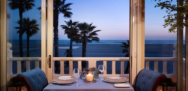 summer vacation best luxury hotels in santa monica ca. Black Bedroom Furniture Sets. Home Design Ideas