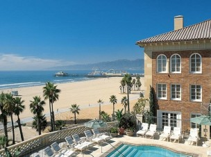 """To have a great summer vacation we suggest one of these five-star hotels in California. Luxury & sun are the perfect combination for a memorable vacation."""