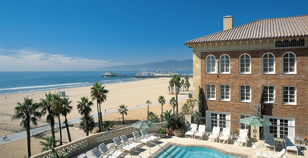 """""""To have a great summer vacation we suggest one of these five-star hotels in California. Luxury & sun are the perfect combination for a memorable vacation."""""""