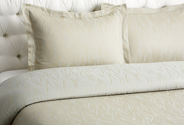 luxury bed sets5 Luxury Bed Set Trends 2014