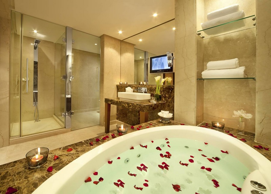 Luxury hotel bathroom bahrain from gulf love happens blog for 5 star bathroom designs