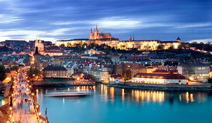 charles bridge Prague romantic cities