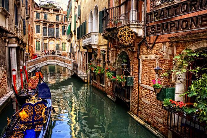 Venice Gondolas Italy romantic cities