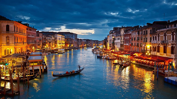 Venice Italy romantic cities