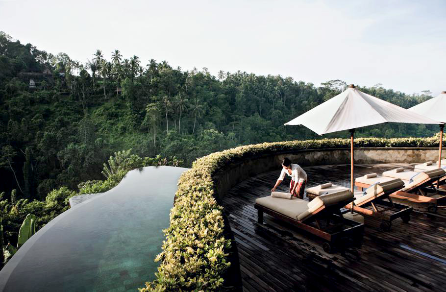 Five of the most beautiful and luxurious pools in the for Hanging garden pool ubud