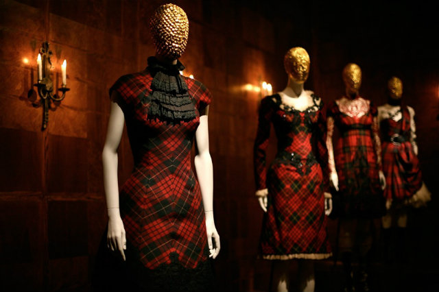 11111 Savage Beauty Exhibition and Alexander McQueen´s best designs Savage Beauty Exhibition and Alexander McQueen´s best designs 11111