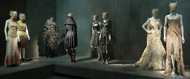Mc1 Savage Beauty Exhibition and Alexander McQueen´s best designs Savage Beauty Exhibition and Alexander McQueen´s best designs Mc1