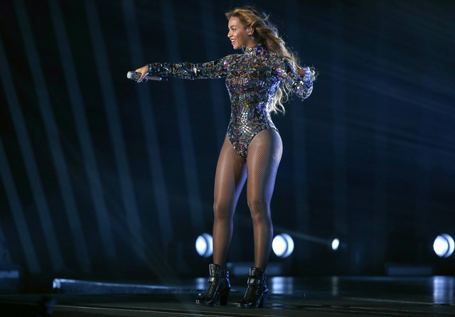 Beyoncé performance at MTV VMAs 2014