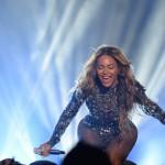 Beyonce Jay Z and daughter at MTV VMAs 2014