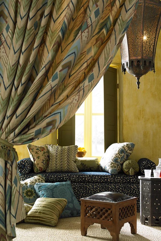 Oscar-de-la-Renta-Kravet-fabric-Syrie-drapery-panel-exotic-Marrakesh-inspired-living-room-deco