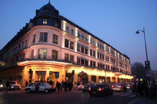 Luxury hotels in paris to stay in while visiting maison et for Luxury hotel stays