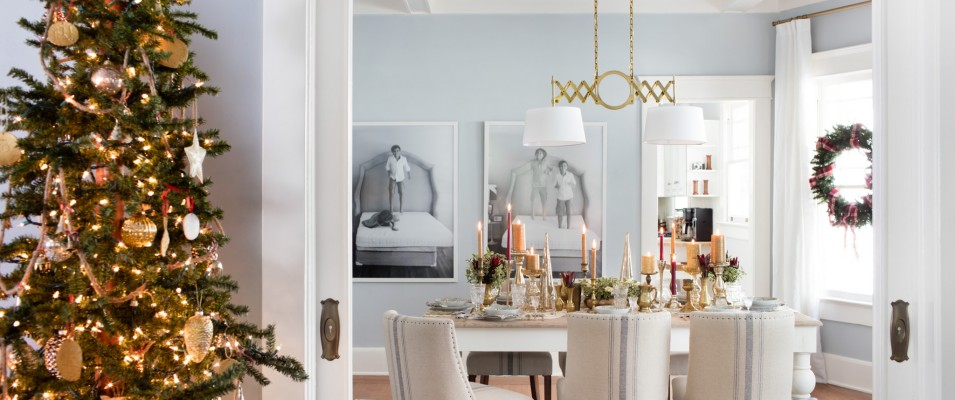 If you're serving sit-down meals this holiday season, keep your dining space classic! Using the decor of adjacent rooms as a guide, keep the color scheme consistent, then amp up the elegance around the dining table to add ambience while you entertain.