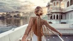 Murad-Osmann-KOKET-love-Happens-Best-Travel-Instagrams