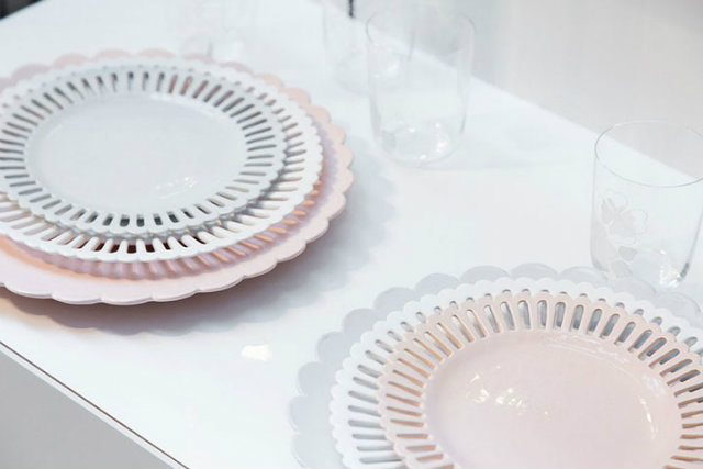 Pink, white and grey scalloped plates.