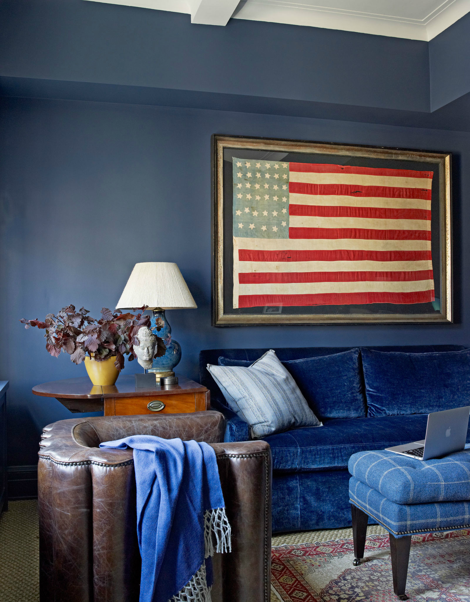 10 Chic Ways to Decorate in Red, White and Blue interior design