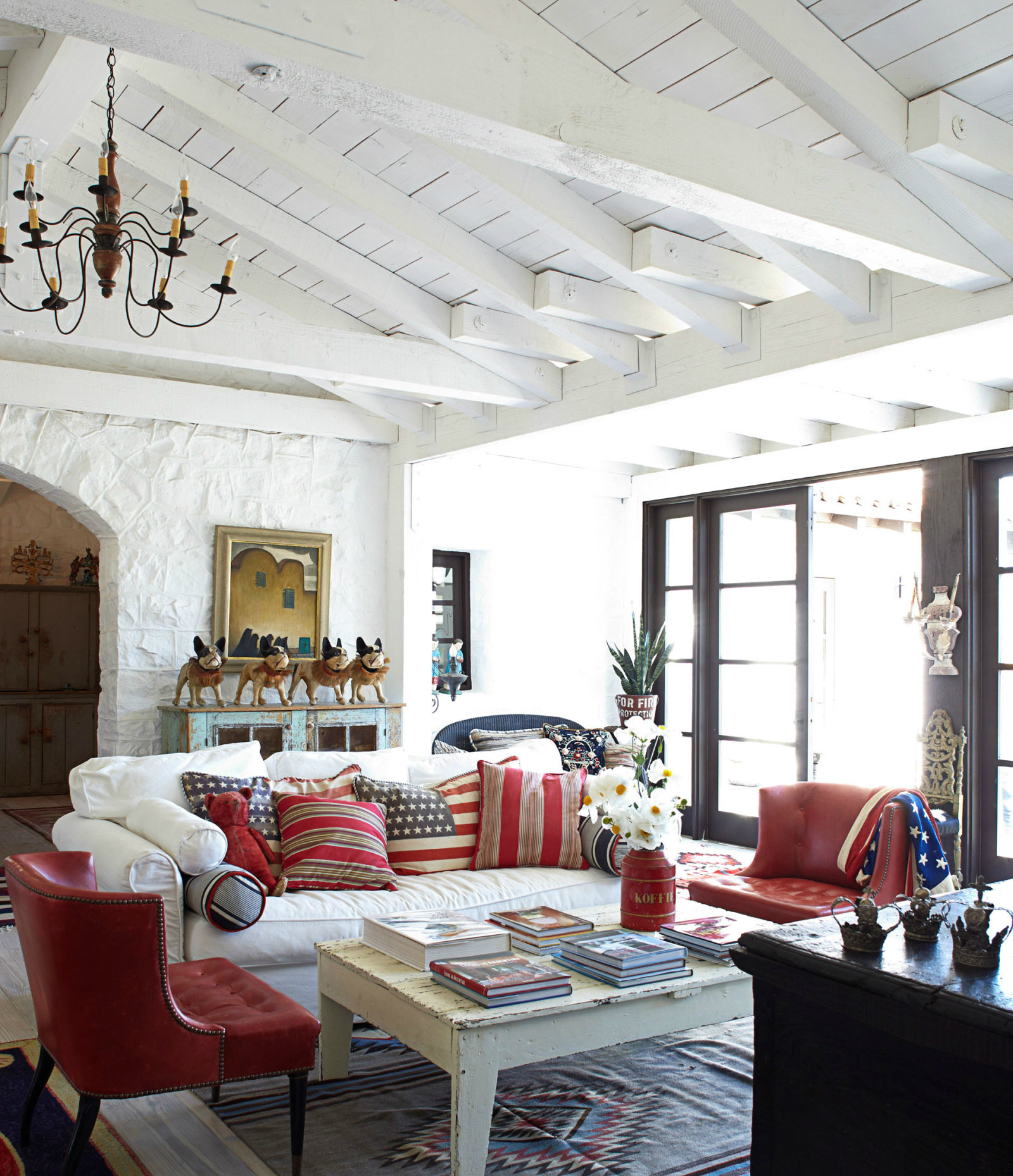 10 Chic Ways To Decorate In Red White And Blue Love Happens Magazine