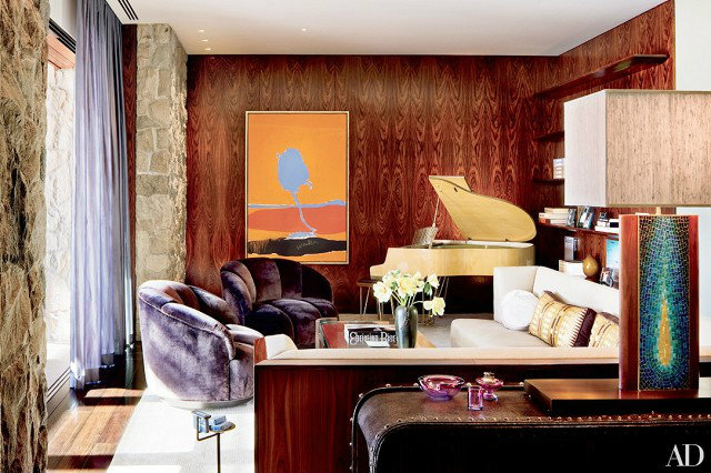 10 covetable celebrity living room ideas love happens blog for Rich colors for living room