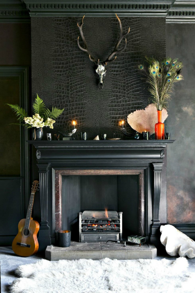 8 motives to fall in love with black wallpaper