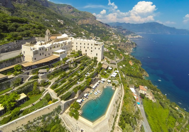 Villas Near Amalfi Coast