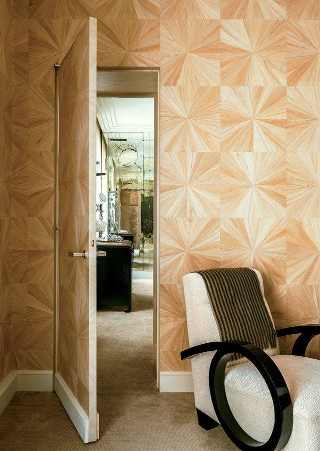 A glimpse into the Art Deco design of designer Linda Pinto's Parisian apartment.