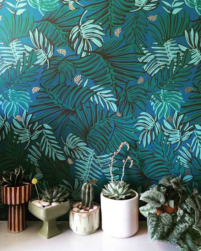 Justina Blakeney Effortlessly Captures Playful Exoticism With Her Uniquely Tropical Jungalow Style