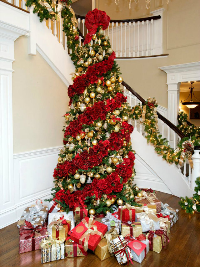 Lavishly Decorated Christmas Trees to Copy - Love Happens Blog