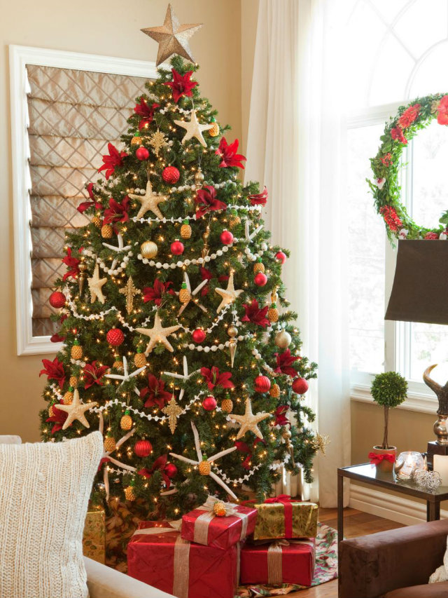 Lavishly decorated christmas trees to copy Over the top christmas tree decorations