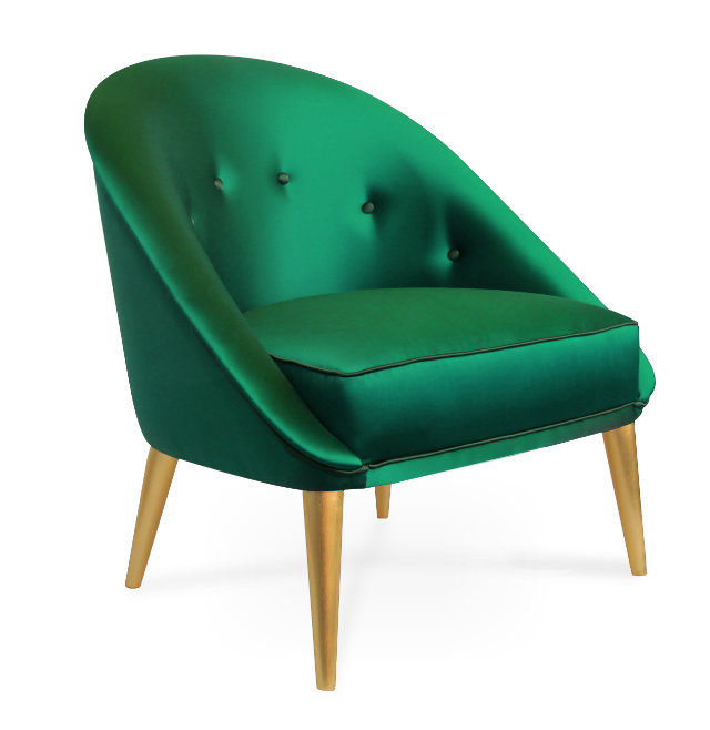 Classic in its silhouette, the lustrous curves of the Nessa chair complement those of the modern-day woman.