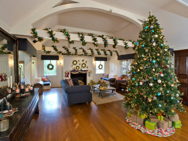 The Best Celebrity Homes Decorated For Christmas celebrity homes The Best Celebrity Homes Decorated For Christmas How Celebrities Are Decking Their Homes for the Holidays 4