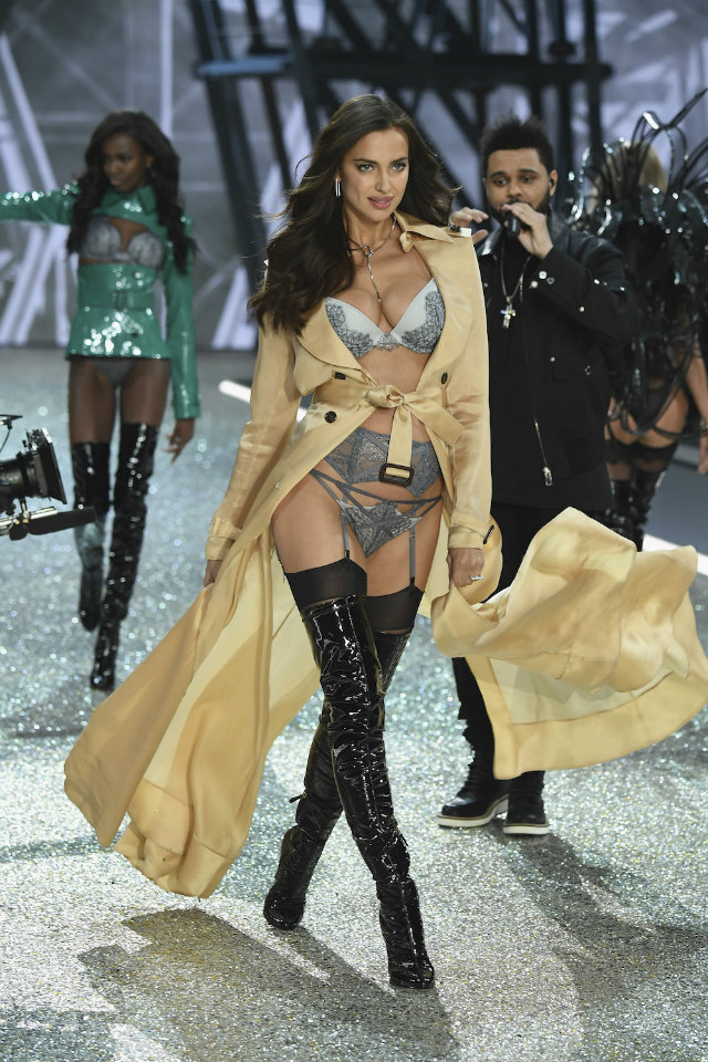 the best beauty moments of victorias secret fashion show 4