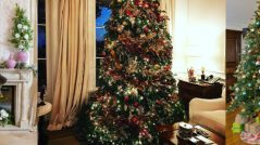 The Best Celebrity Homes Decorated For Christmas