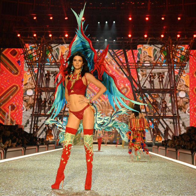 the best moments of victorias secret fashion show 9