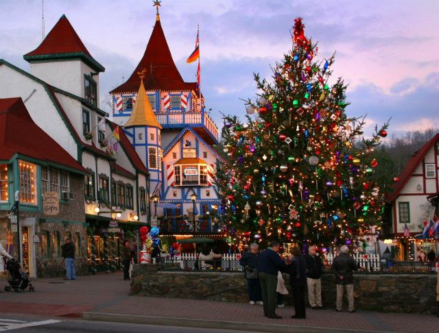 The Best Towns To Celebrate Christmas best towns The Best Towns To Celebrate Christmas The Best Towns To Celebrate Christmas 3
