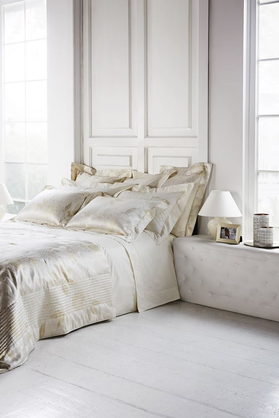 5 Best Tips to Creating a Bedroom that Inspires Romance luxury Frette bedding a bedroom that inspires romance 5 Best Tips to Creating a Bedroom that Inspires Romance 5 Best Tips to Creating a Bedroom that Inspires Romance luxury Frette beding