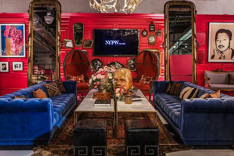 The Opulent NYFW Lounge by Ken Fulk Luxury sofas Blue velvet Ken Fulk NYFW Opulent Lounges by Ken Fulk The Opulent NYFW Lounge by Ken Fulk Luxury sofas Blue velvet