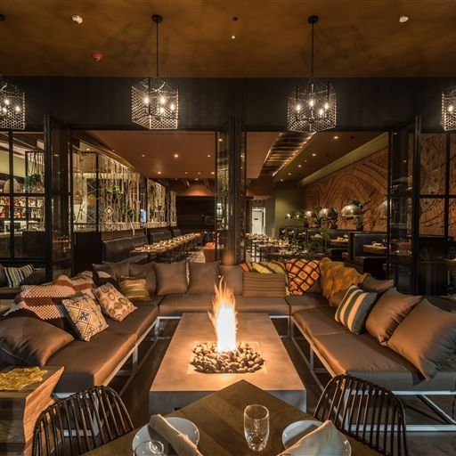 Best Restaurants in Los Angeles: Citizen - Beverly Hills - chef Scott Howard - great Italian food and then hear some incredible jazz - fire pits - spacecraft design group best restaurants in los angeles Dining During Dwell on Design 2017: 20 Best Restaurants in Los Angeles citizen3