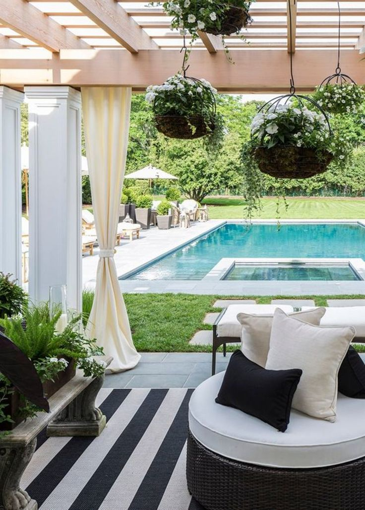 Pool side - Caleb Anderson - luxury furniture - koket - black and white outdoor decor outdoor entertaining area 12 Fabulous Outdoor Entertaining Areas 0ac58f28d3e8ab54c3e169013364d8f5 outdoor areas outdoor rooms