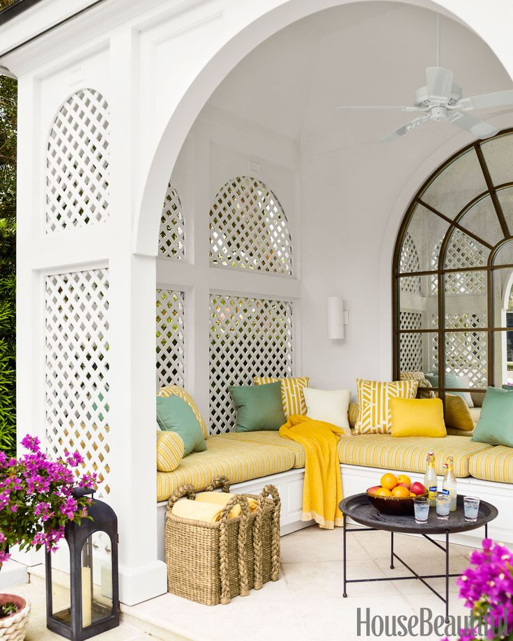 Outdoor Living Room, Luxury furniture, colorful textiles, colorful pillows outdoor entertaining area 12 Fabulous Outdoor Entertaining Areas 8db1807ae3aea560f21cc113c1a761f6 beach house decor home decor