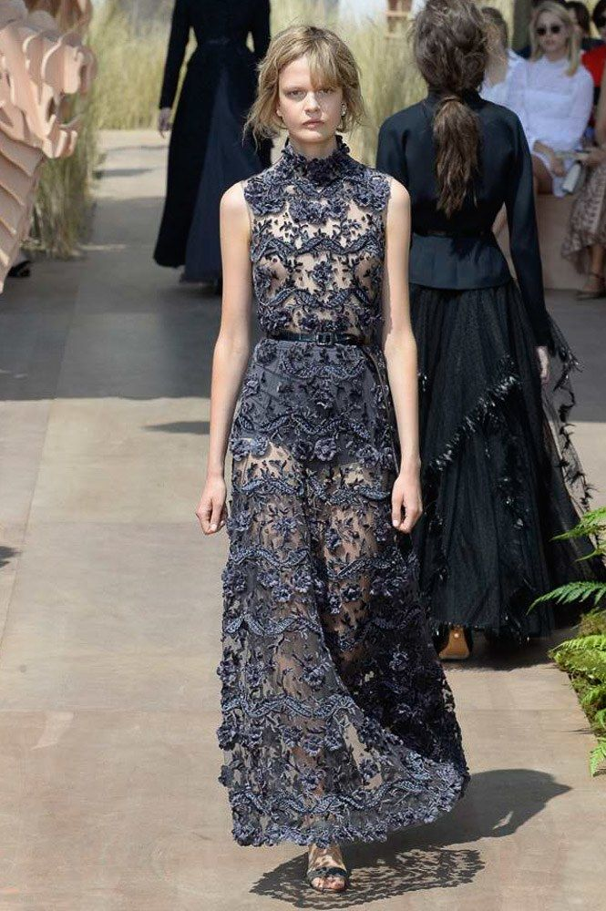 Christian Dior Fall 2017, fashion trends fall 2017 haute couture paris fashion week 2017 Top Fashions from the Haute Couture Paris Fashion Week 2017 Christian Dior Fall 2017 Couture Fashion Show