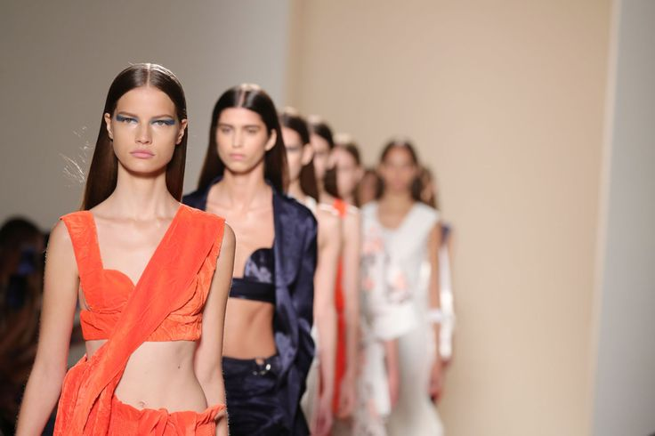 Victoria Beckham Spring/Summer 2017 Collection - Women Empowerment