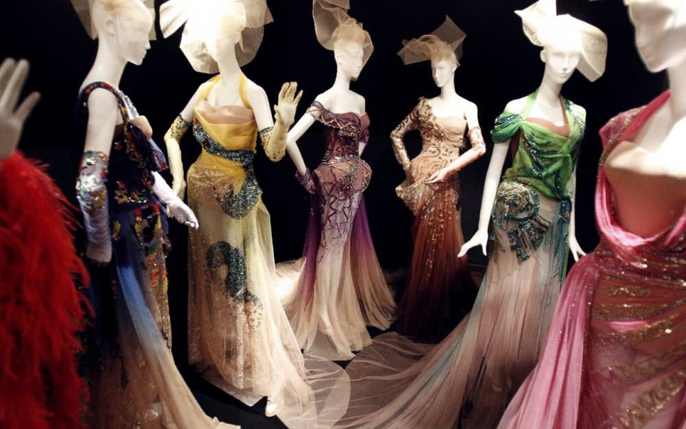 70 years of christian dior at mus e des arts decoratifs